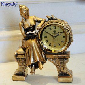 Đồng hồ trang trí để bàn Navado.